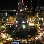 Der Weihnachtsmarkt ist aufgebaut, der Weihnachtsmarkt...